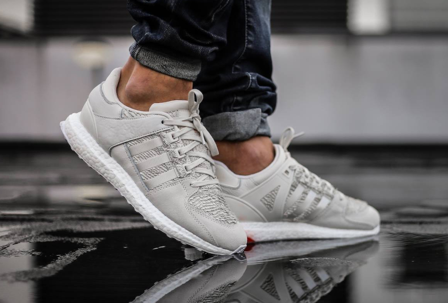 Chaussure Adidas EQT Support Ultra CNY Year of the Roaster (4)