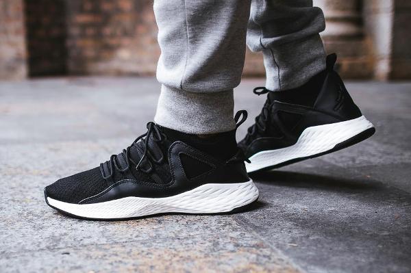 Chaussure Nike Air Jordan 10 Formula 23 'Black' (homme) (2)