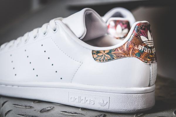 grand choix de a5411 4d1dc Farm Company x Adidas Stan Smith W Flowers Multicolor 'Bali'