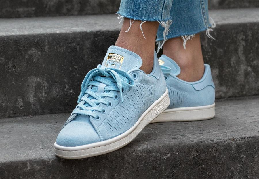 soldes-Adidas-Originals-Stan-Smith-Daim-Perforé-Bleu-Pastel-femme-pas-cher