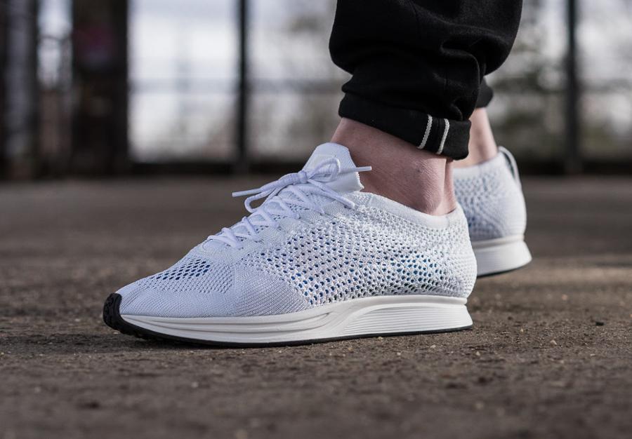 soldes-Nike-Flyknit-Racer-Goddess-Triple-White-blanche-pas-cher