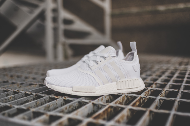 Basket Adidas NMD R1 Triple White (Monochrome pack) (1)