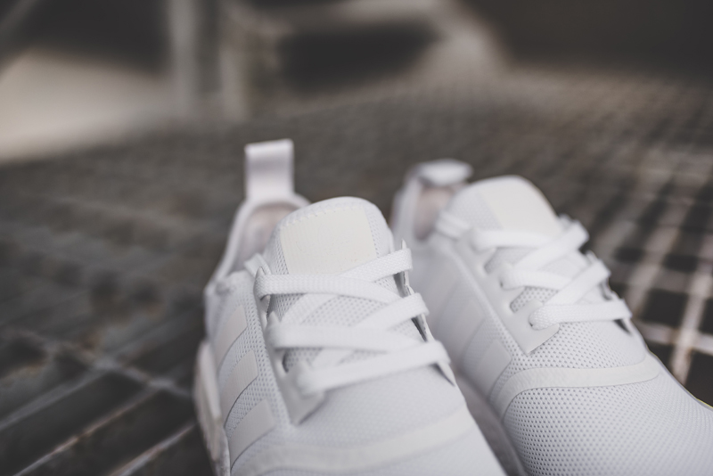 Basket Adidas NMD R1 Triple White (Monochrome pack) (3)