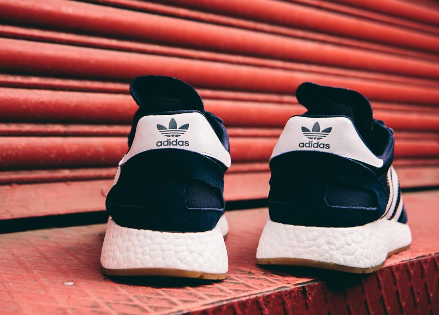 Basket Adidas Originals Iniki Runner bleu foncé (3)