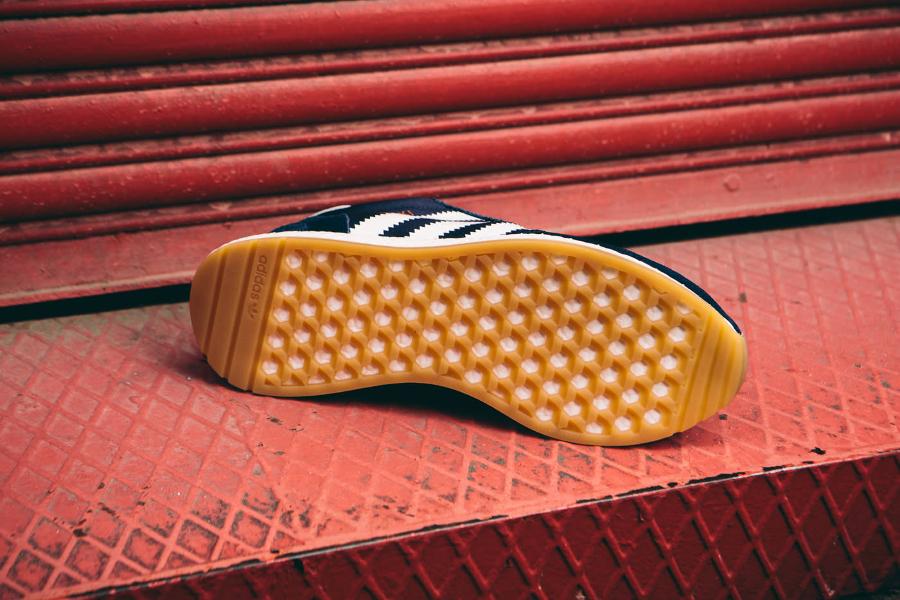 Basket Adidas Originals Iniki Runner bleu foncé (4)