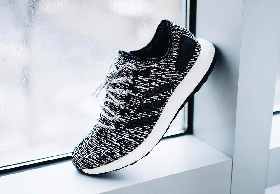 Basket Adidas Pure Boost 2.0 Oreo blanche et noire (1)