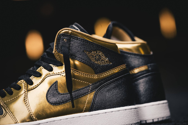 Basket Air Jordan 1 Retro BHM Metallic Gold 2017 (femme) (6)