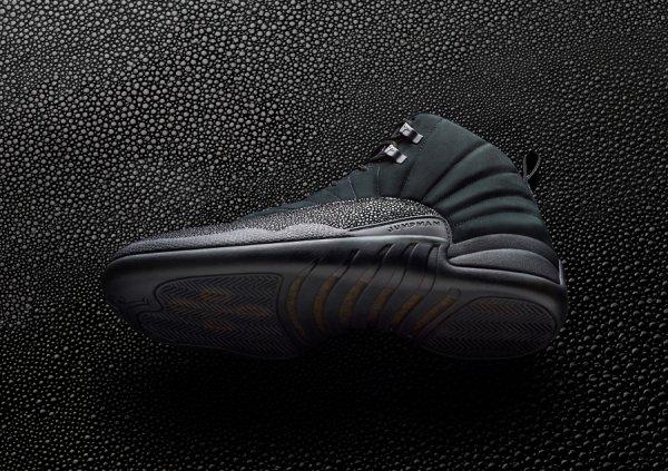 Basket Air Jordan 12 Retro OVO Black Metallic Gold (1)