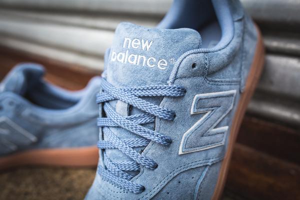 new balance daim bleu