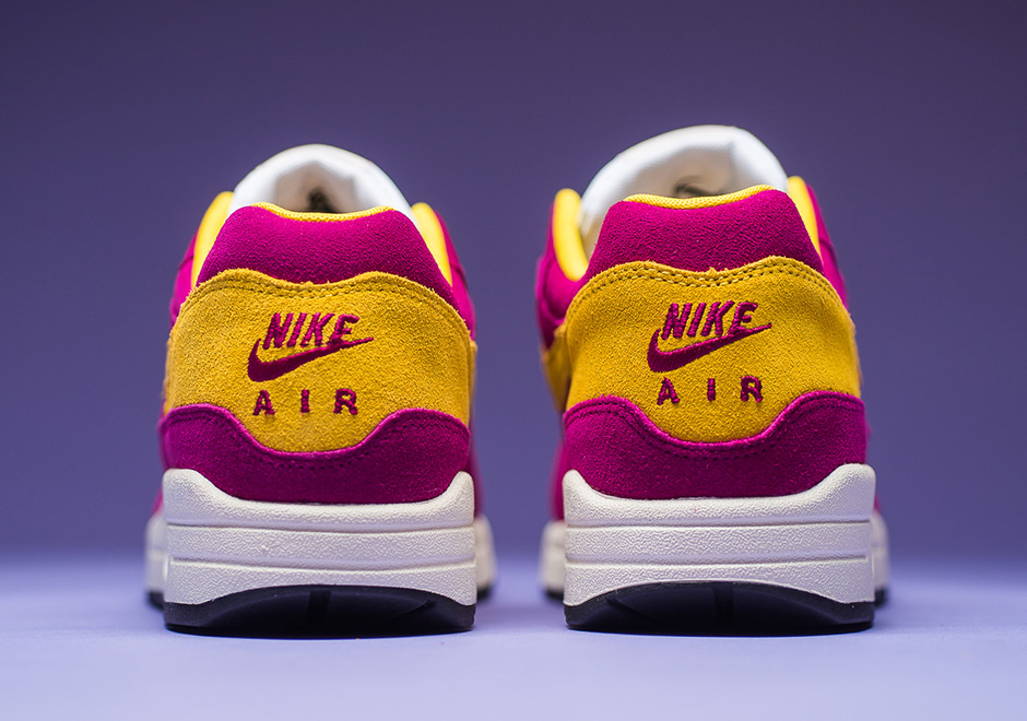 nike air max 1 dynamic berry