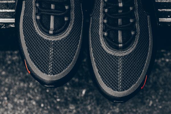 Basket Nike Air Zoom Spiridon Ultra Black (2)