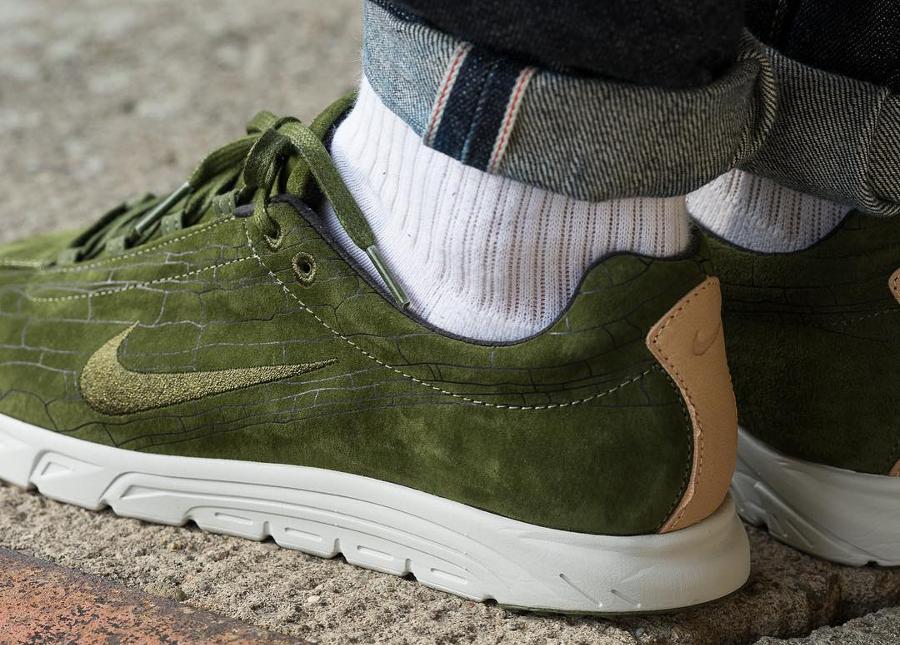 Basket Nike Mayfly Suede PRM daim vert olive (1)
