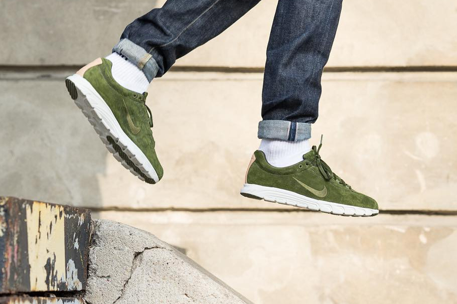 Basket Nike Mayfly Suede PRM daim vert olive (2)