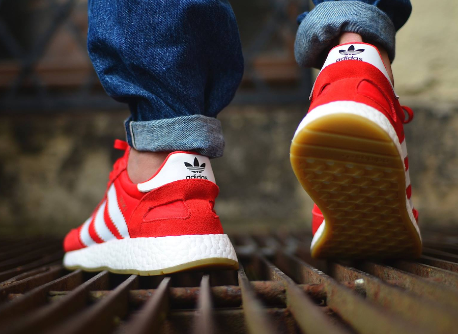 Chaussure Adidas Iniki Runner Boost Gum Red (rouge) (3)