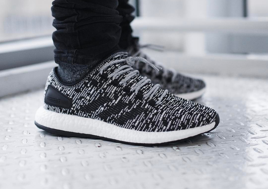 Chaussure Adidas Pure Boost 2.0 Aramis Oreo (blanche et noire) (2)