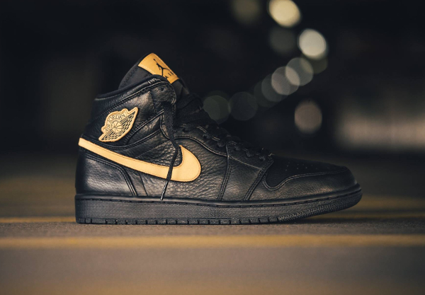 Chaussure Air Jordan 1 Retro High BHM 2017 Black Metallic Gold (1)