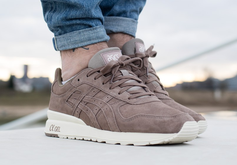 Chaussure Asics GT II 2 Suede Taupe Grey (daim gris) homme (3)