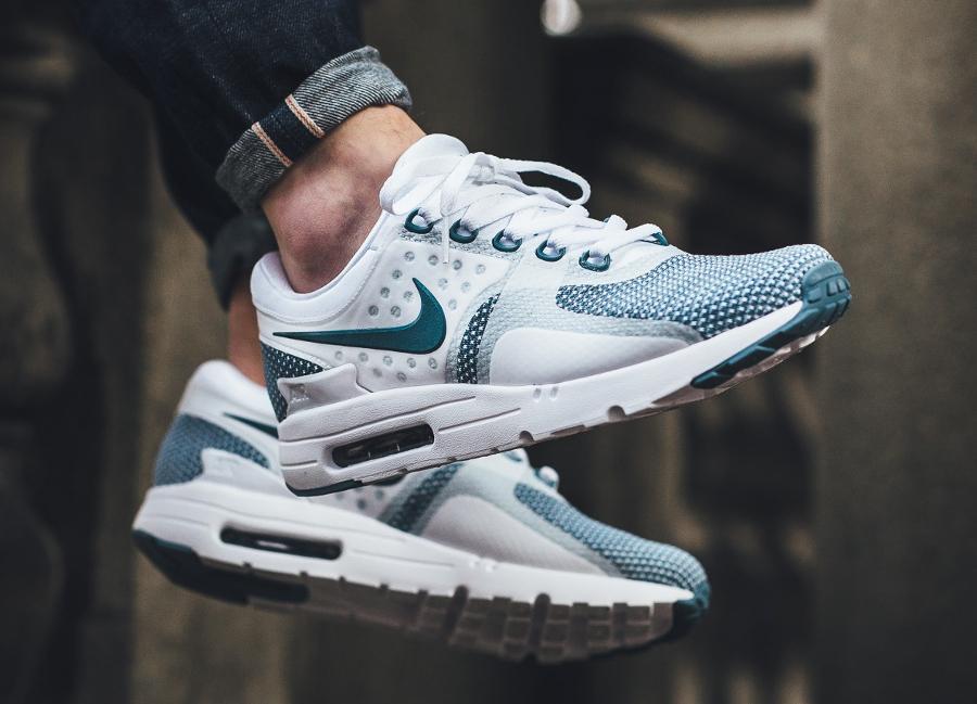 Chaussure-Nike-Air-Max-Zero-Essential-Smokey-Blue-bleu-fumée-homme-3