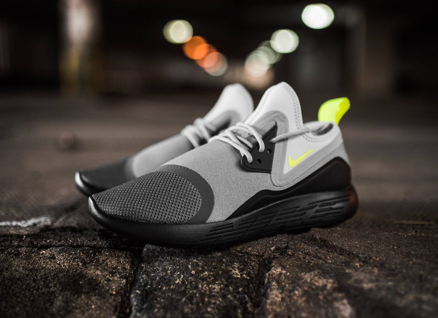chaussure nike lunarcharge essential