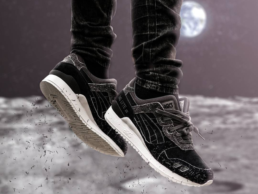 Chaussure Size x Asics Gel Lyte 3 Far Side of the Moon (Black Suede) (1)