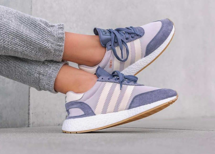 Basket Adidas Iniki Runner W Super Purple (2)