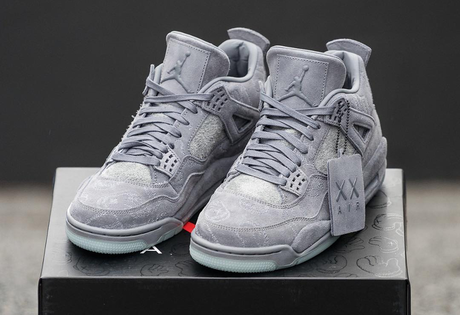 Basket Kaws x Air Jordan 4 Premium Cool Grey (1)