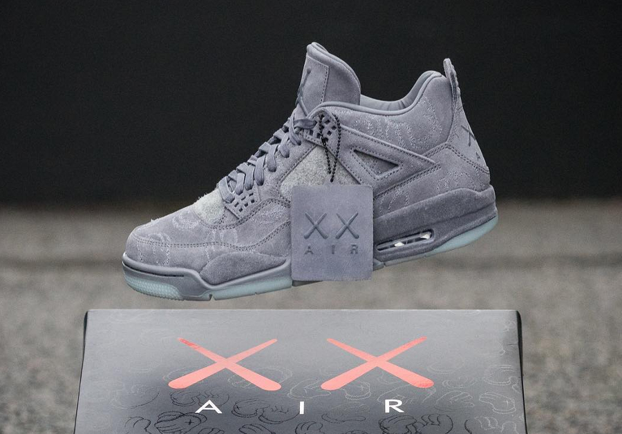 Basket Kaws x Air Jordan 4 Premium Cool Grey (3)