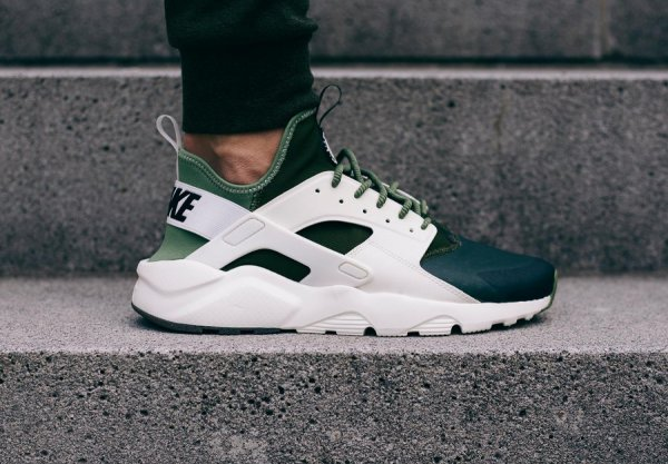 Nike Air Huarache Ultra SE 'Palm Green'
