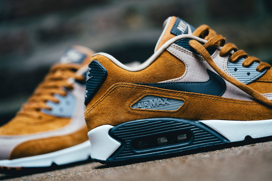 hot sale online 90ac3 8ecf5 Basket Nike Air Max 90 PRM Desert Ochre (2)