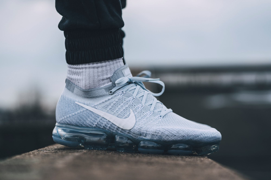 Basket Nike Air VaporMax grise (6)