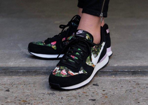 Basket Nike Wmns Internationalist Premium Flowers Black (1)