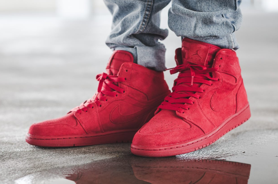 Chaussure Air Jordan 1 High Retro Mono Red Suede (daim rouge)