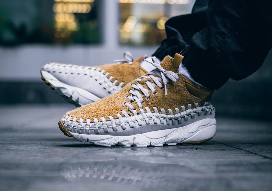 Chaussure Nike Air Footscape Woven Chukka QS Flat Gold