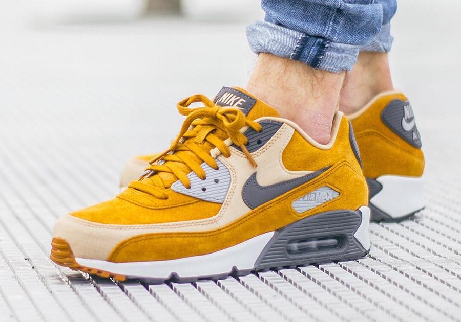 Chaussure Nike Air Max 90 Premium Suede Desert Ochre (homme) (2)