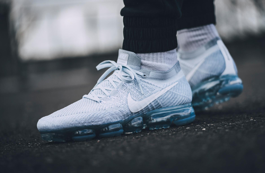 Chaussure Nike Air VaporMax Flyknit Pure Platinum (Air Max Day 2017) (2)