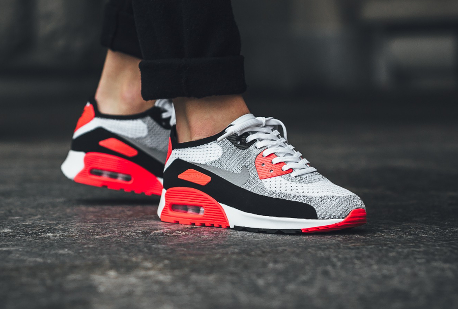 Chaussure Nike Wmns Air Max 90 OG Infrared Ultra 2.0 Flyknit 2017 femme (1)