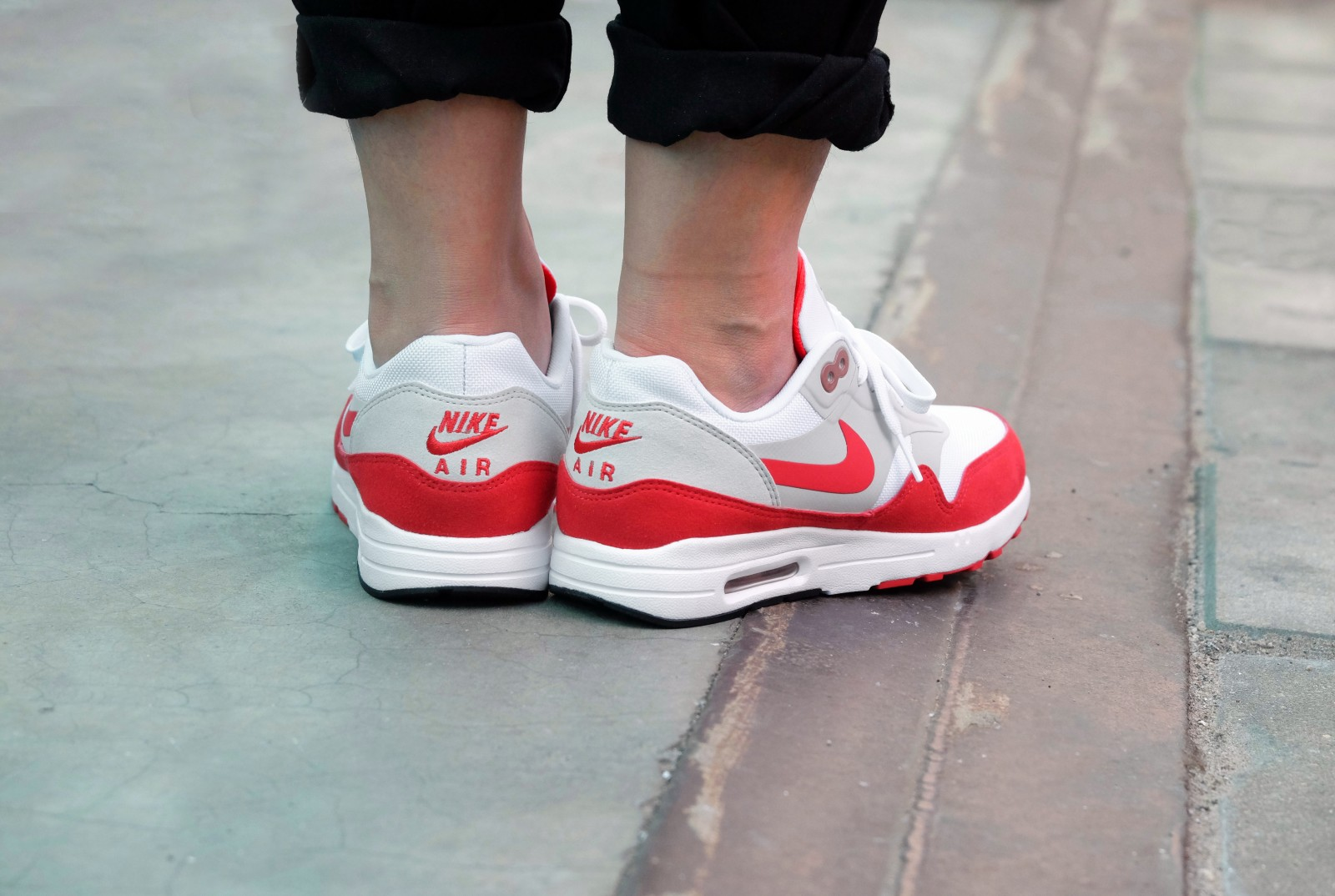 Chaussure Nike Wmns Air Max 1 Ultra 2.0 Le OG Red 3.26 Air Max Day femme (3)