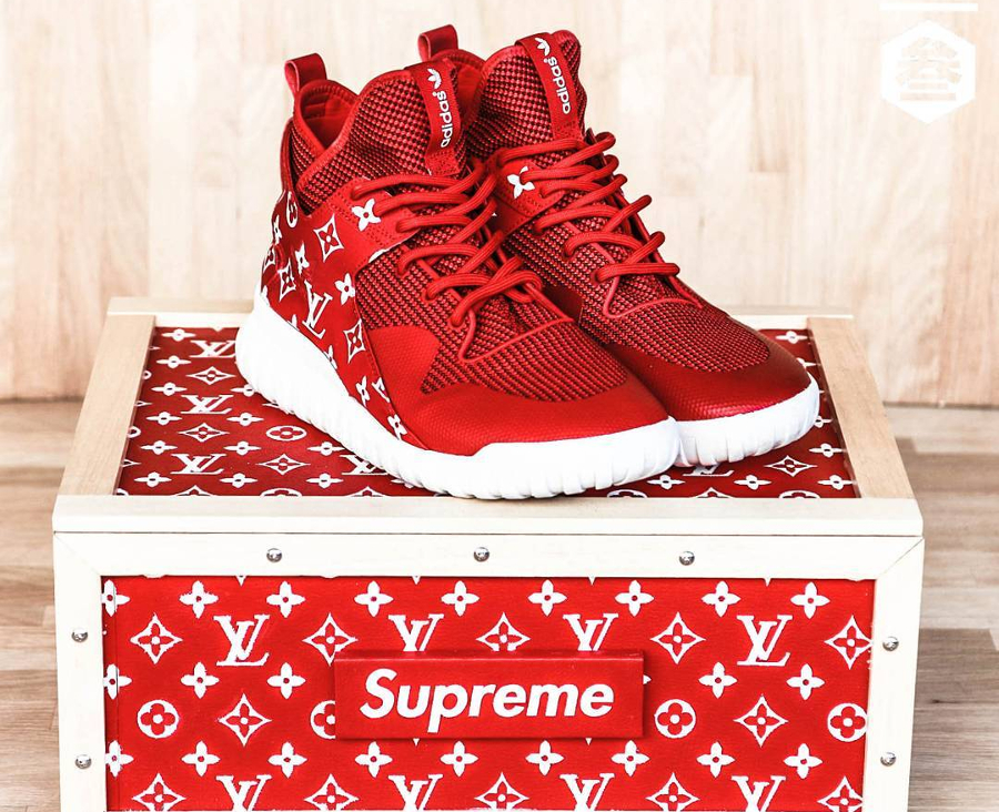 supreme x louis vuitton x adidas nmd r1 39 triple red 39. Black Bedroom Furniture Sets. Home Design Ideas