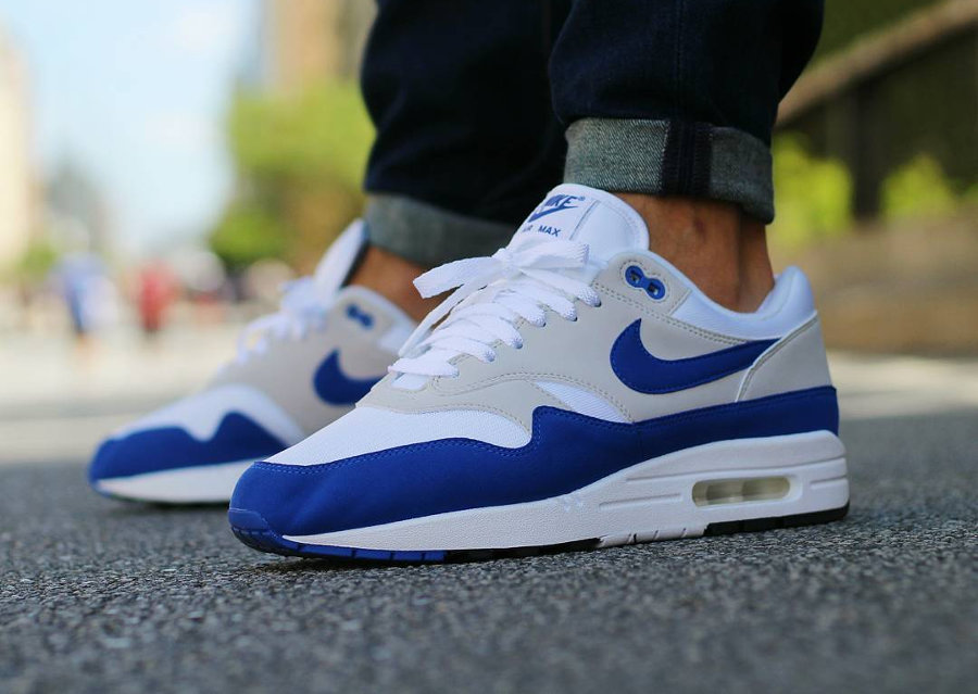 restock-nike-air-max-1-og-anniversary-blue-on-feet-908375 103-2