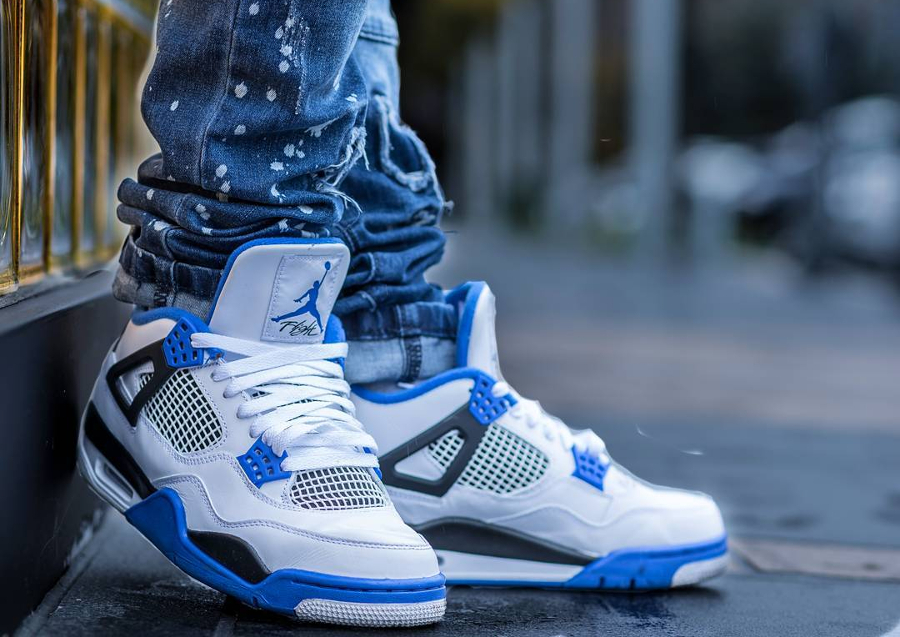 Air Jordan 4 Retro Motorsport pas cher