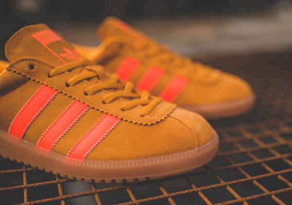 Basket Adidas Bermuda Suede Solar Gold (2)