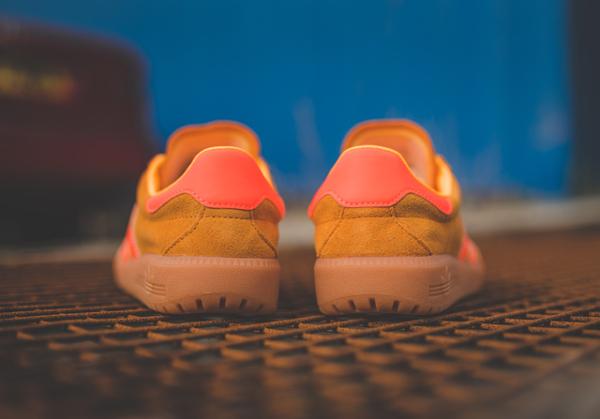 Basket Adidas Bermuda Suede Solar Gold (3)