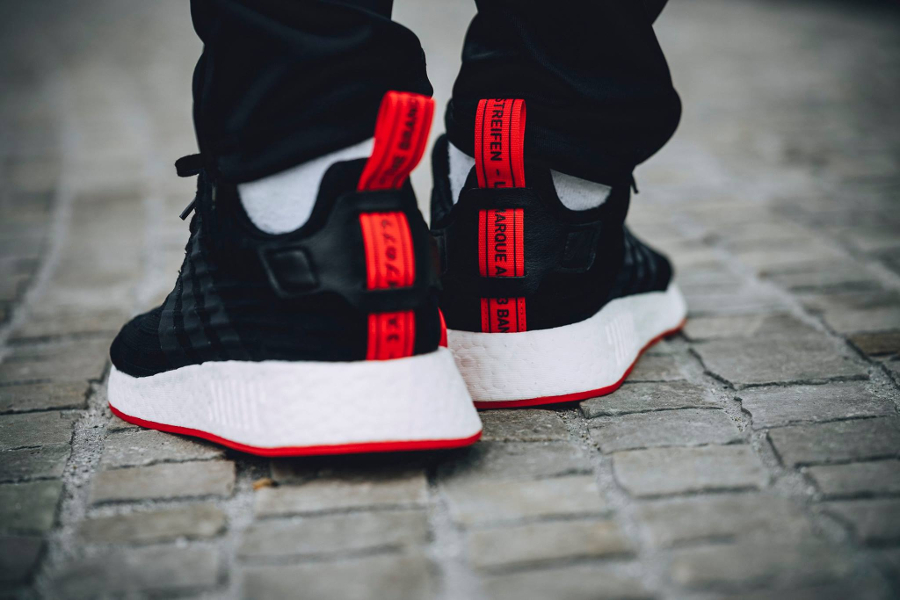 basket semelle rouge