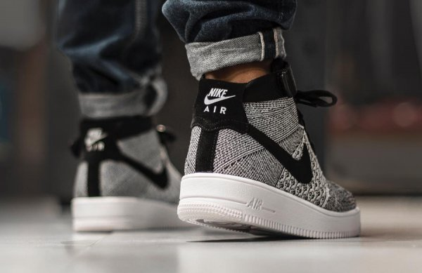 Nike Air Force 1 Mid Ultra Flyknit 'Black White'