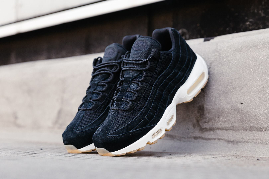 Basket Nike Air Max 95 Premium Suede Black (1)