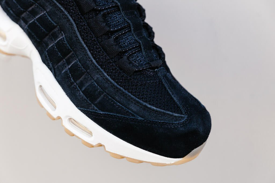 Basket Nike Air Max 95 Premium Suede Black (3)