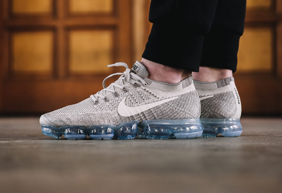 Basket Nike Air Vapormax Flyknit Pale Grey (1)