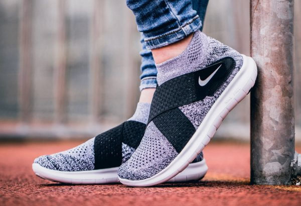 Basket Nike Free Run Motion Flyknit 2017 X 'Oreo' (1)
