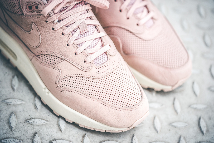 Nike Wmns Air Max 1 Pinnacle 'Silt Red'