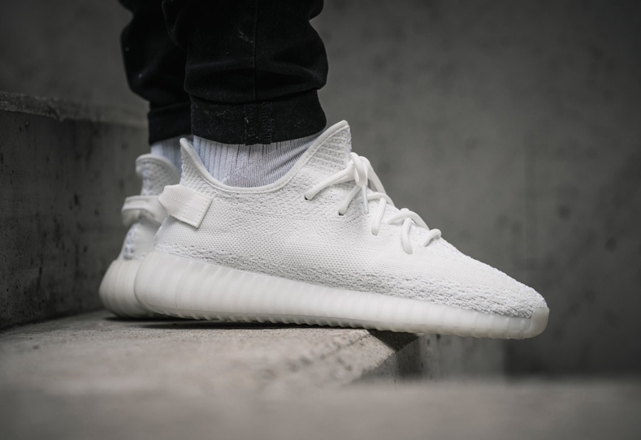 adidas yeezy triple white